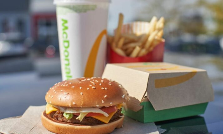 McDonald's estreia sanduíche vegano no Reino Unido e Irlanda