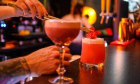 Irlanda poderá ter pubs e baladas abertos até 6h da manhã